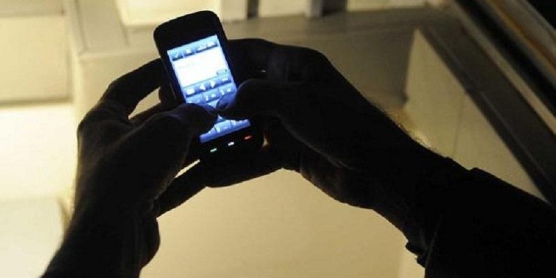 Perseguita e minaccia la sua ex di pubblicare video e foto a sfondo sessuale: ai domiciliari 33enne