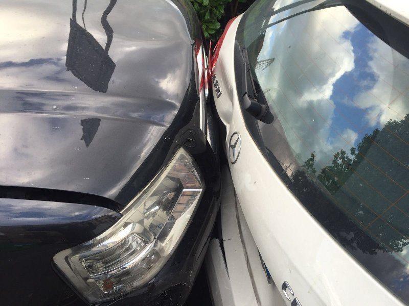 Tamponamento tra due auto in tangenziale: traffico in tilt dallo svincolo di Gravina
