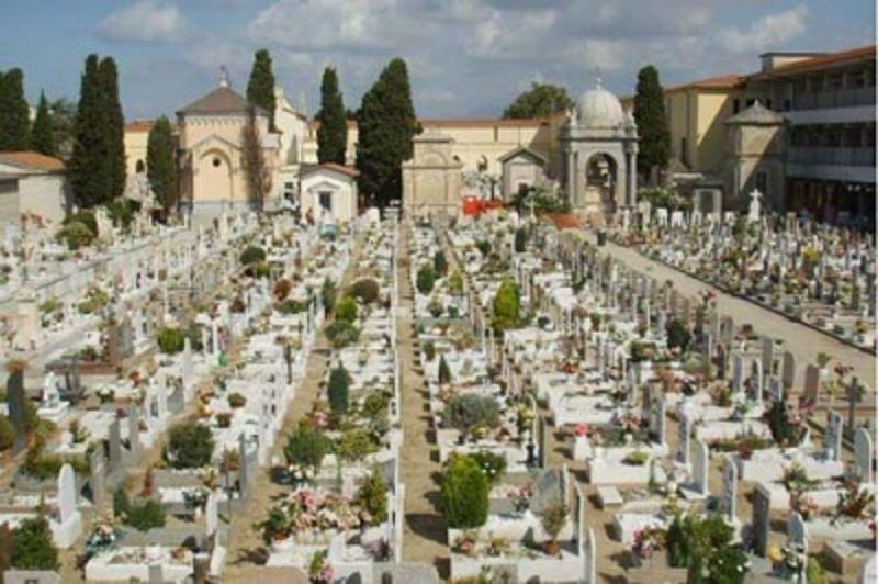 Emergenza sepolture al cimitero dei Rotoli: i Tar di Sicilia e Puglia sbloccano la situazione