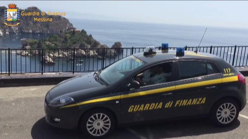 """Dietro la """"Bella Vita"""" di Taormina frodi fiscali e illecito: 4 arresti e sequestro per 2 milioni. VIDEO"""