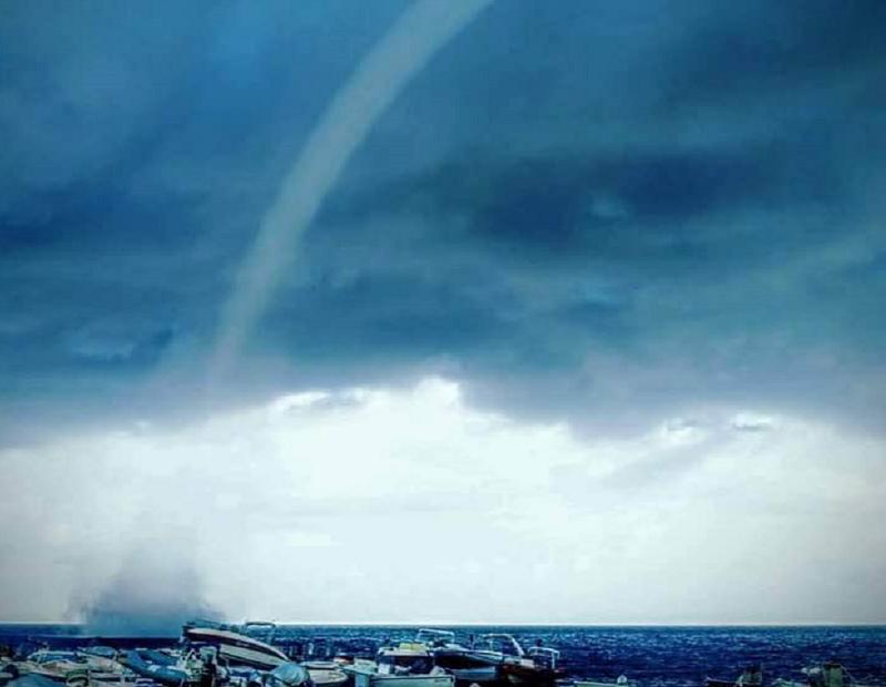 Il maltempo non risparmia Messina: tromba d'aria sul mare