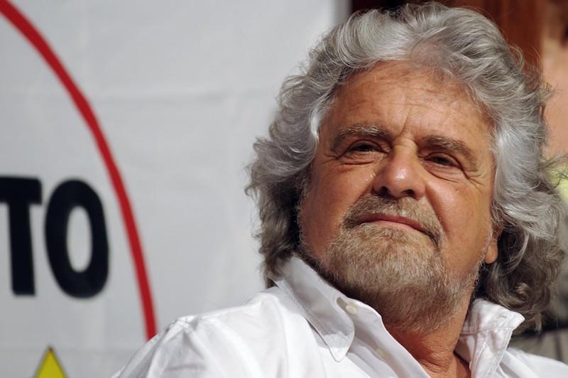 Palermo: 100 mila per il M5S, ma niente arrivo in mongolfiera per Grillo