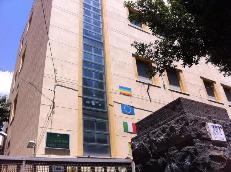 Catania: 39enne si masturba davanti al Cutelli