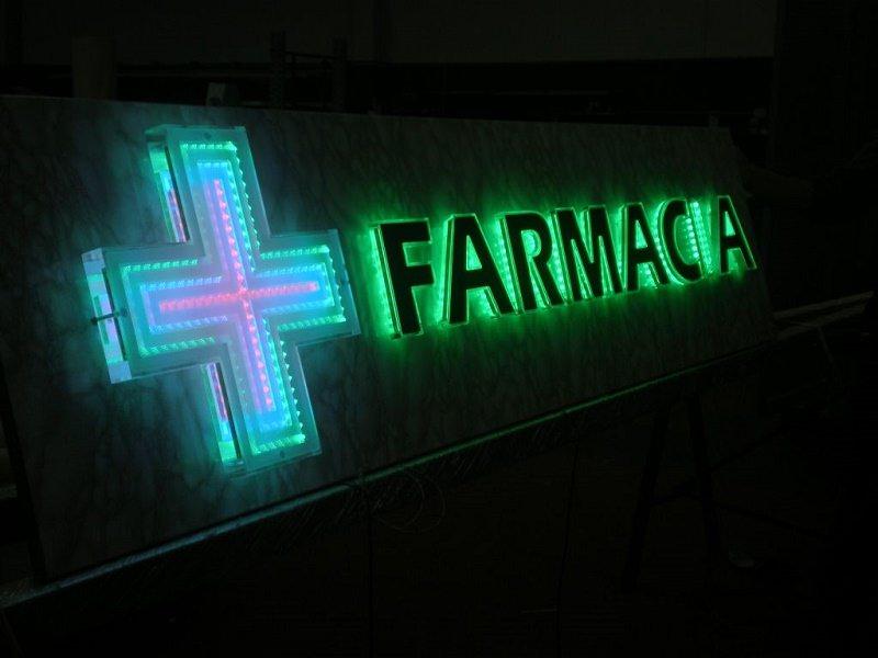 Ordinanze comunali a Messina limitano l'orario di farmacie e tabacchi: multe per i trasgressori