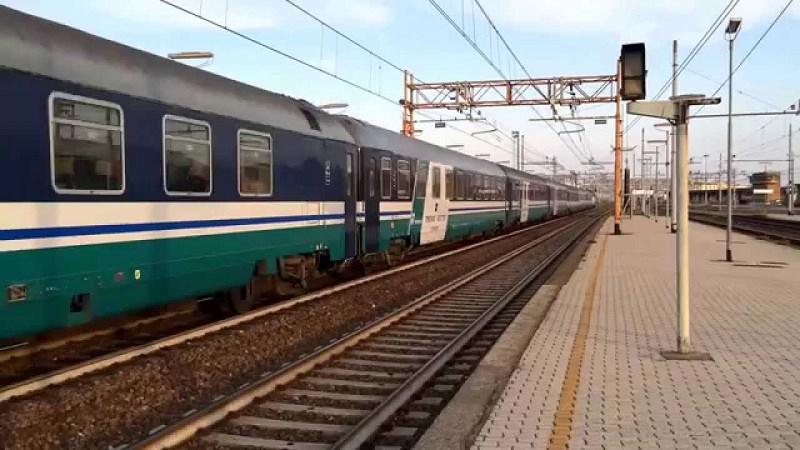 Allerta rossa in Sicilia, trasporti in tilt: linee ferroviarie sospese, possibili ritardi in aeroporto