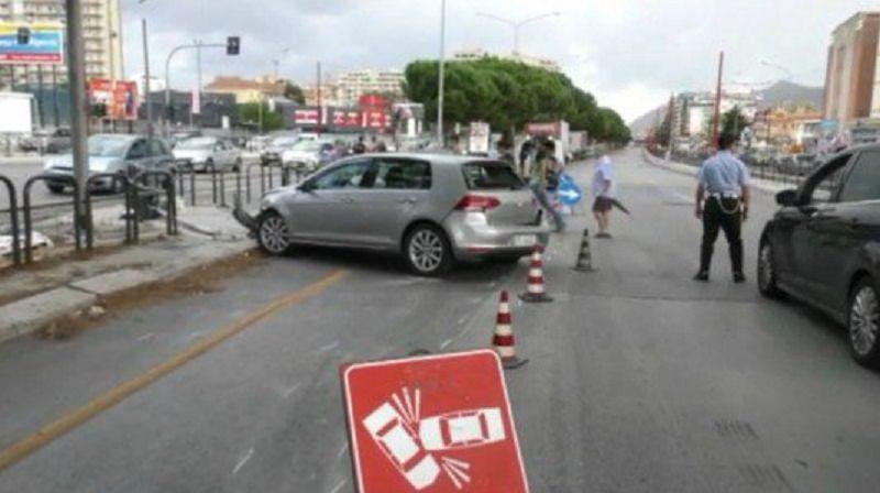 Palermo, traffico in tilt in viale Regione: scontro fra tre auto e un tir