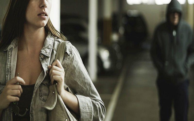 Minacce, pressioni psicologiche e stalking su una donna palermitana: coppia nei guai