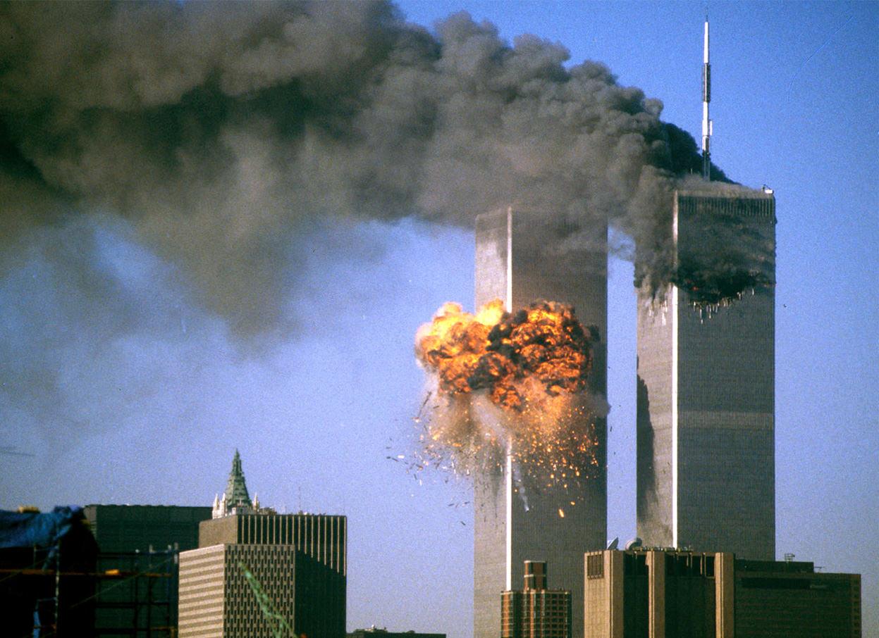 11 settembre 2001, l'attentato che cambiò il mondo e sgretolò le nostre certezze: la scia delle Torri Gemelle