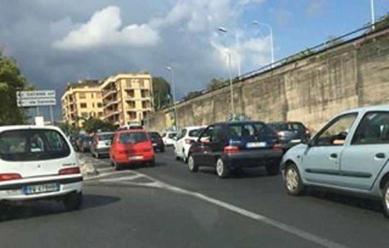 Tondo Gioeni e il déjà vu del traffico perennemente paralizzato