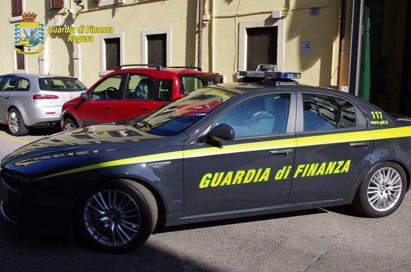 Spacciavano cocaina a Ragusa: arrestati un uomo e una donna di Catania