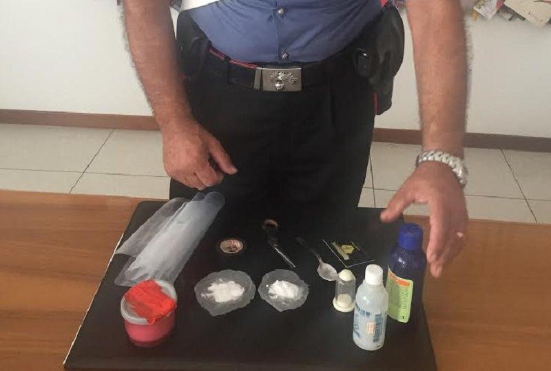 Tratto in arresto per detenzione e spaccio di cocaina