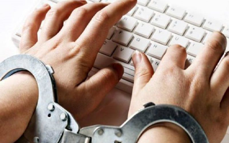Cyberbullismo: perché la legge rischia di limitare la libertà di espressione