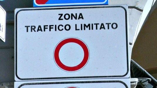 Acireale, ZTL in tutto il centro storico: l'elenco delle strade coinvolte e i nuovi orari