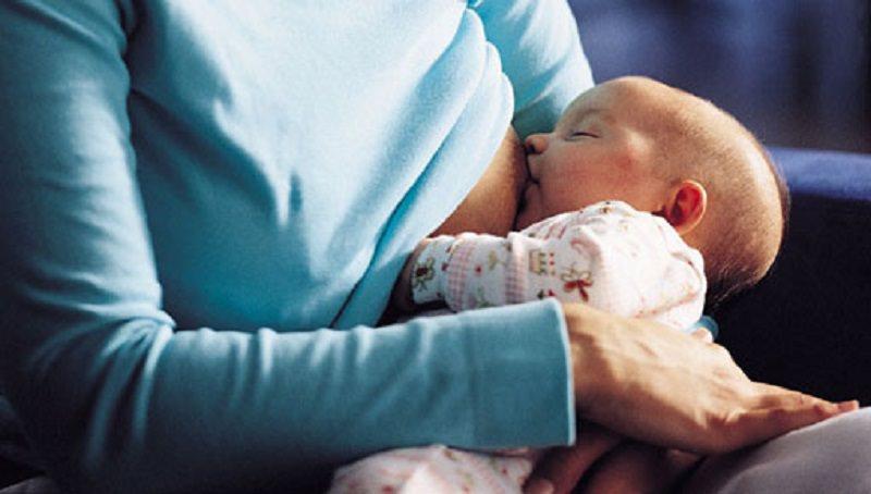 Vaccino anti-Covid in gravidanza e durante l'allattamento, è sicuro o no? Le risposte dell'Istituto di Sanità