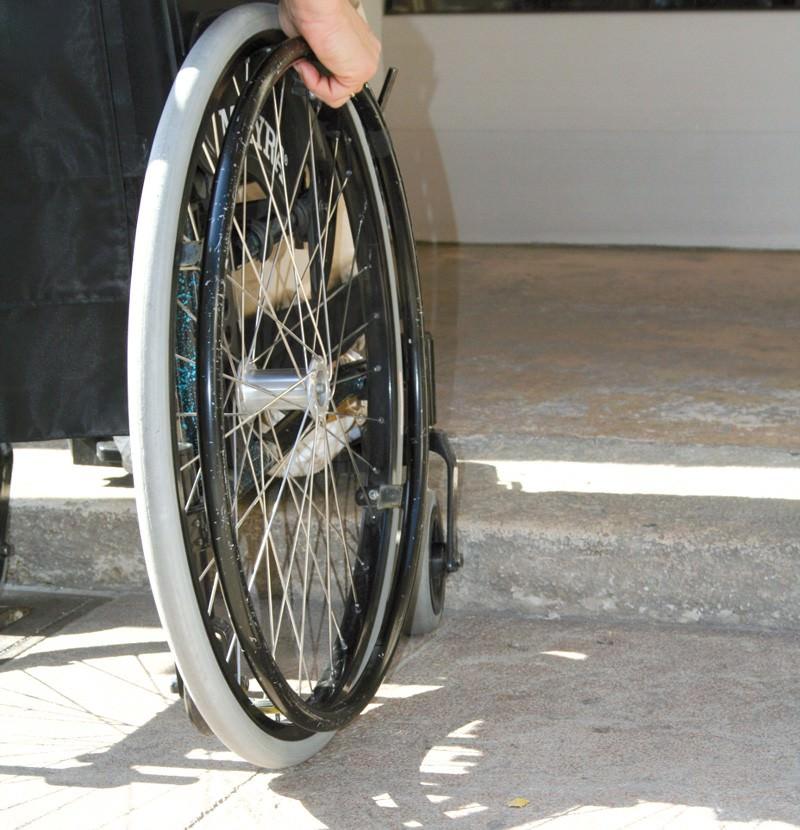 """Sit-in dei disabili a Palermo: """"Vogliamo ciò che ci spetta"""""""