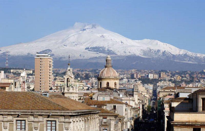 """Catania raccontata da una brasiliana: """"Qui si vive bene con poco"""""""