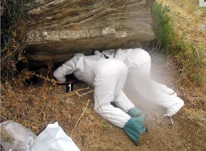 Ossa e teschi: cimitero di mafia scoperto a Roccamena
