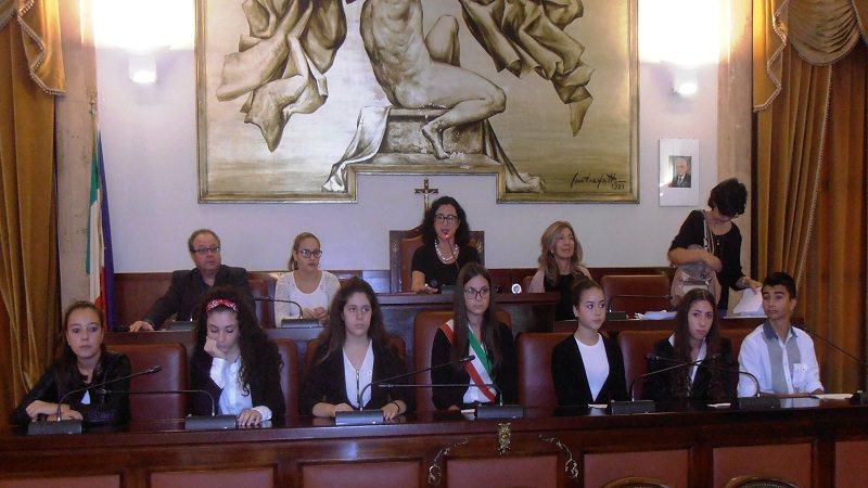 Catania: lezioni di democrazia al Comune per formare i futuri cittadini