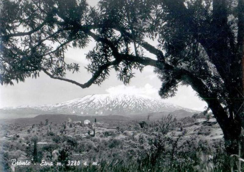 L'Etna in cartolina