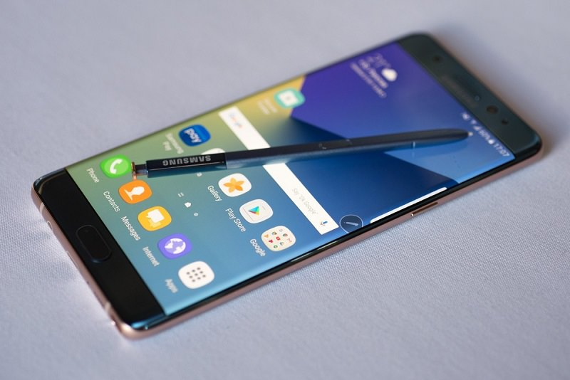 """Smartphone dai """"bollenti spiriti"""", Samsung sospende la vendita del Galaxy Note 7"""