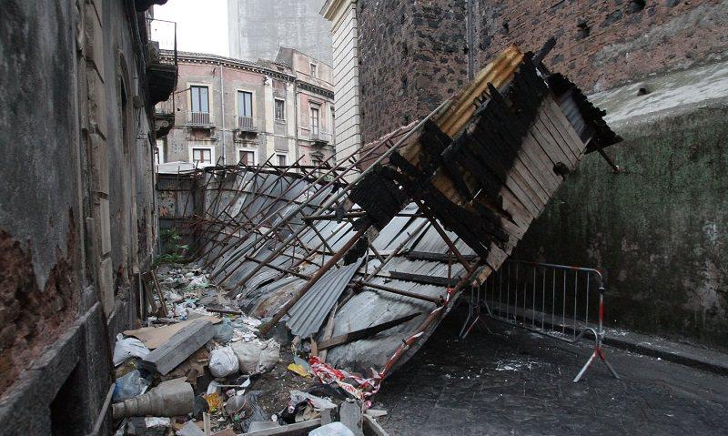 Catania, da rimuovere impalcatura di via Grotta Magna: appello di Carmelo Sofia
