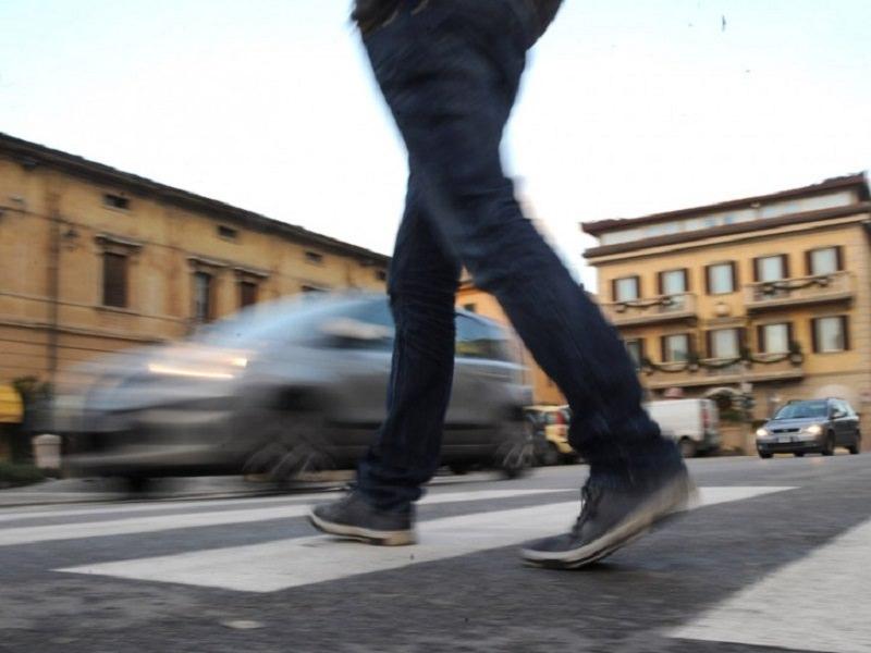 Due pedoni investiti in una mattinata a Palermo: grave una 84enne