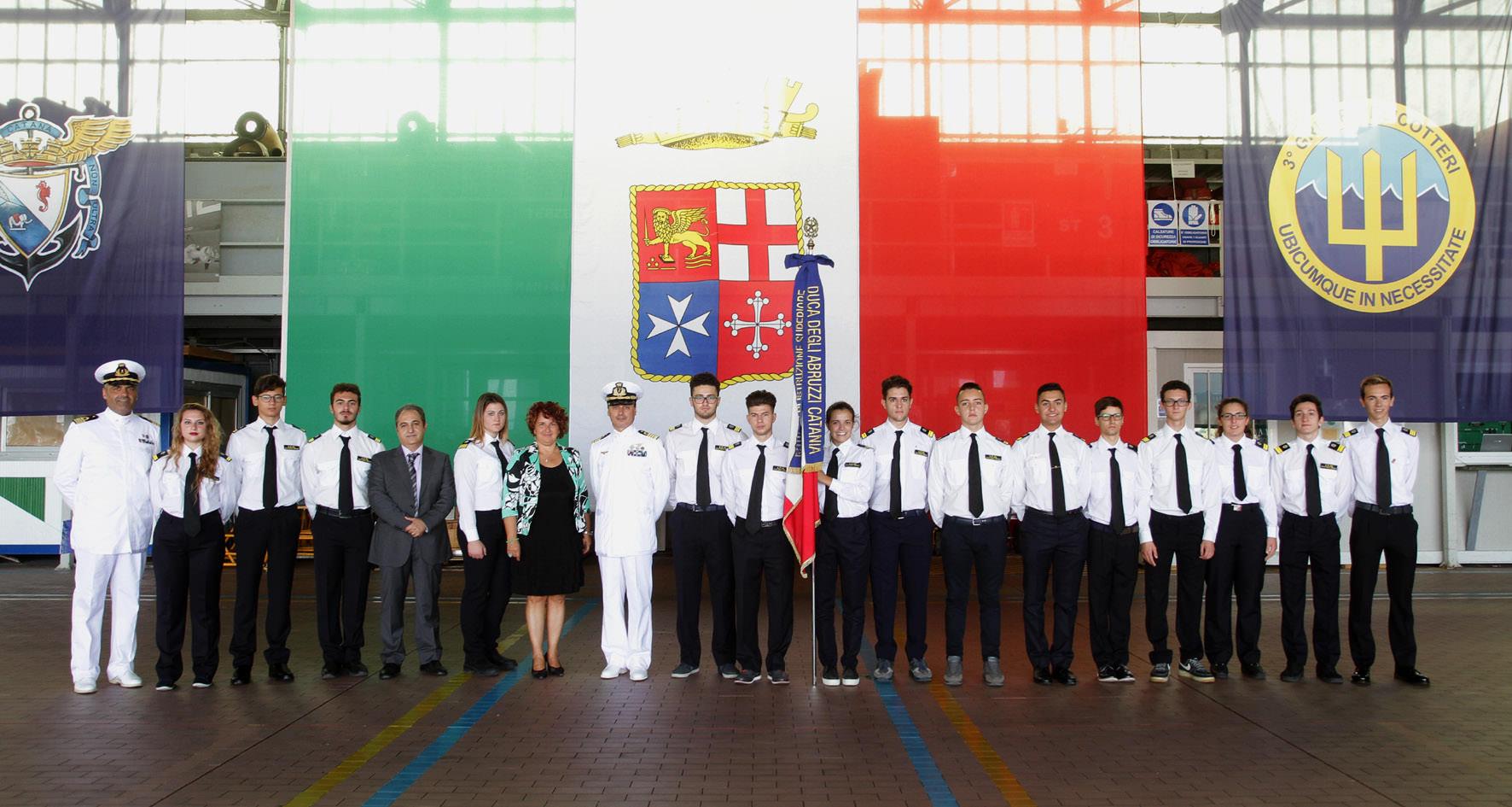 Maristaeli, ragazzi dell'Istituto Duca degli Abruzzi al cambio di comando
