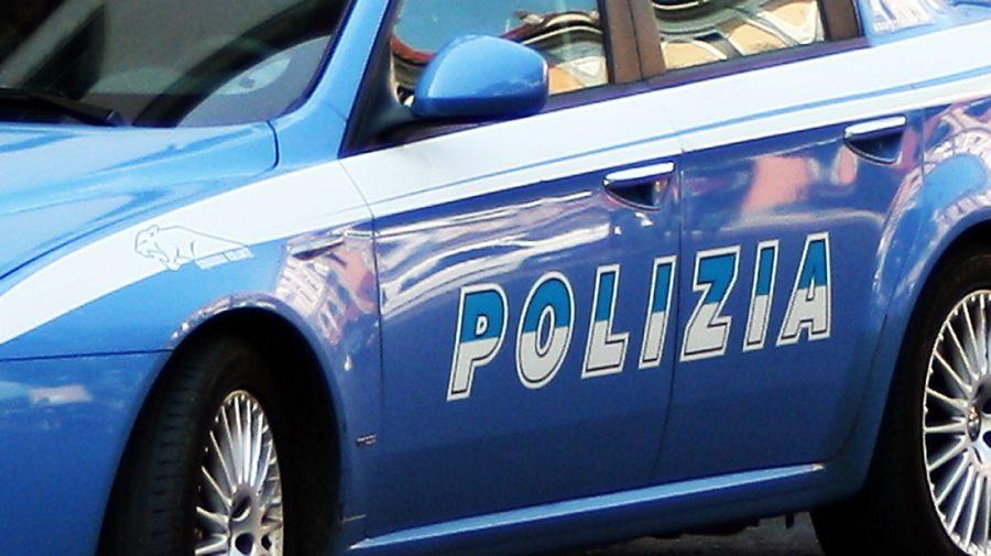 """""""Sono in difficoltà economiche"""" e svaligia furgone: pregiudicato catanese beccato dalla polizia si pente"""