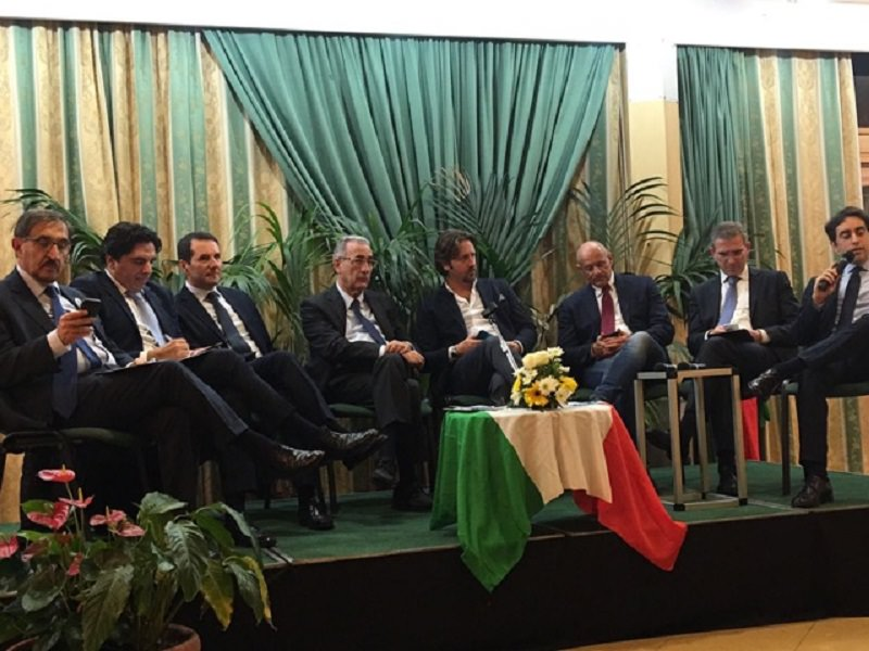 """Al """"Sì"""" della sinistra risponde il centrodestra: fronte compatto a Catania per il """"No"""""""