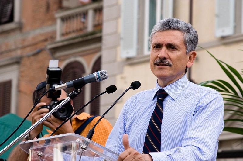 Referendum: D'Alema a Catania attacca Renzi