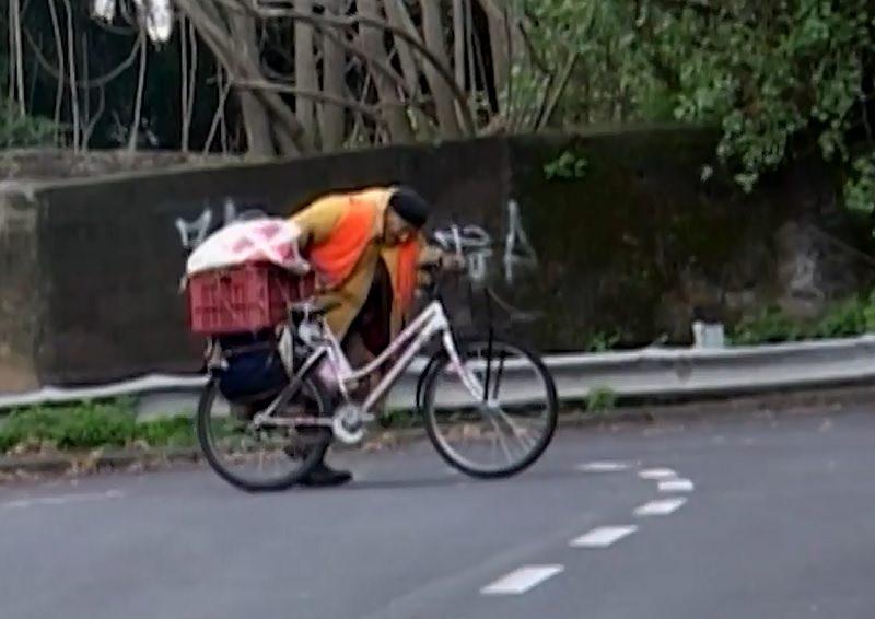 Una storia di passioni: l'ultima intervista dell'uomo con la bicicletta