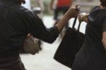 A segno cinque scippi e una rapina ad anziani: fermato 19enne