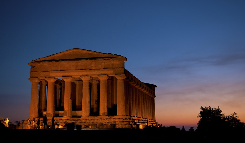 Valle dei Templi aperta anche di notte: nuovi spettacoli e visite