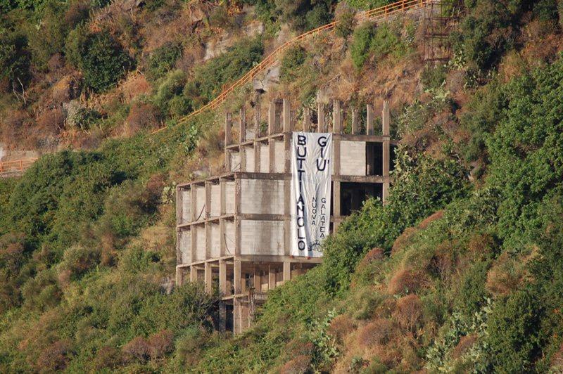 Ecomostro Timpa di Acireale: inizia il count- down  per la demolizione