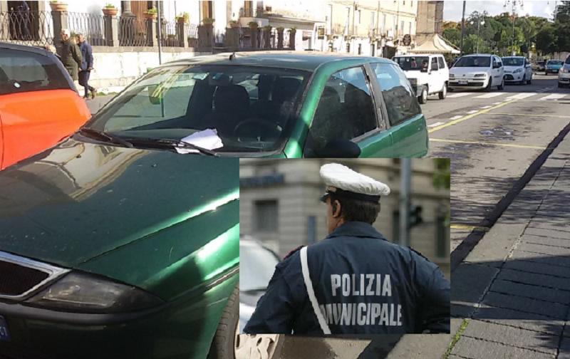Parcheggia in zona riservata: multato comandante dei vigili urbani