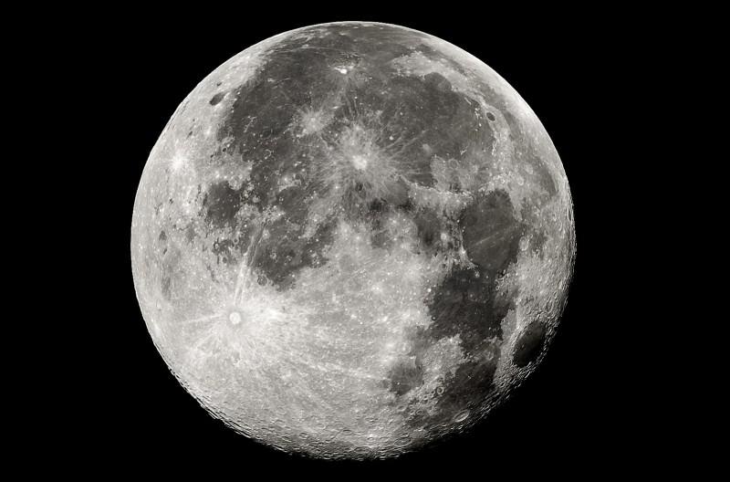 """Sicilia, stasera in cielo una luna """"super"""": sarà più luminosa del solito e visibile ovunque"""