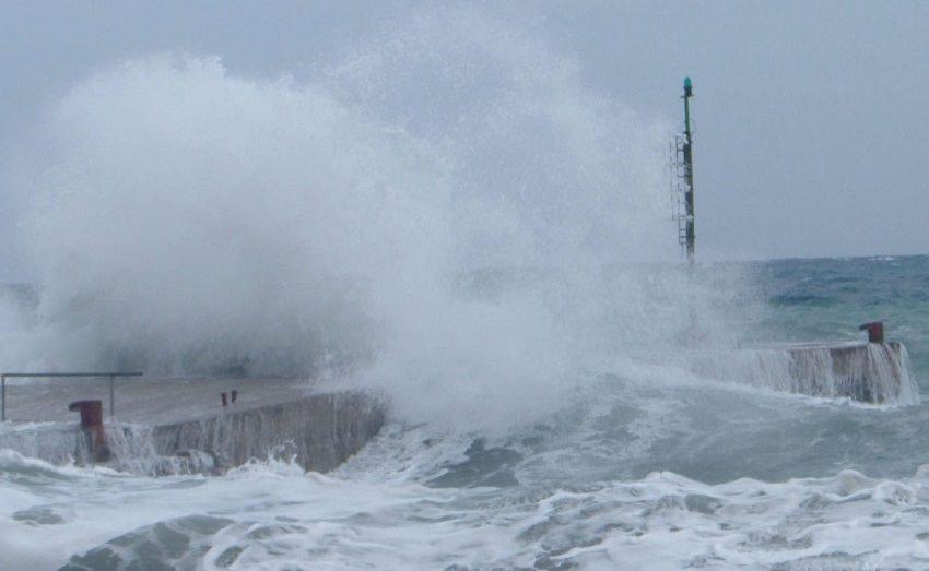 Sospesi collegamenti con le isole Egadi per condizioni meteo avverse