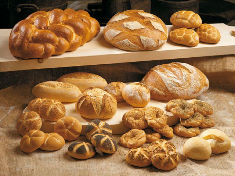 Aumenta il costo del pane, panifici chiusi nei festivi: previste multe da 5 mila euro