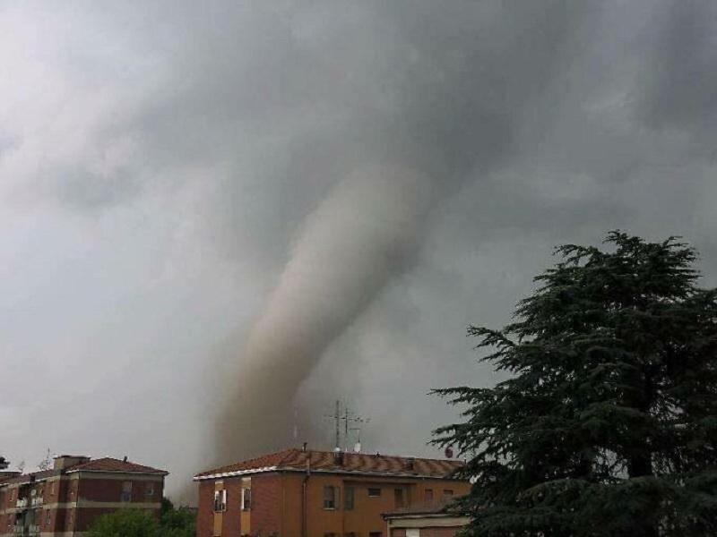 """""""Le trombe d'aria sono eventi distruttivi ma isolati"""", nessuna correlazione tra Roma e Catania"""
