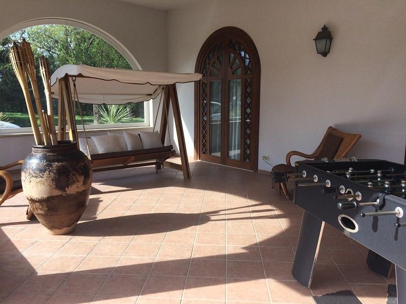 Maxi sequestro da 4 mln di euro: sigilli alla villa con Spa ed armature di Benedetto Valenza VIDEO