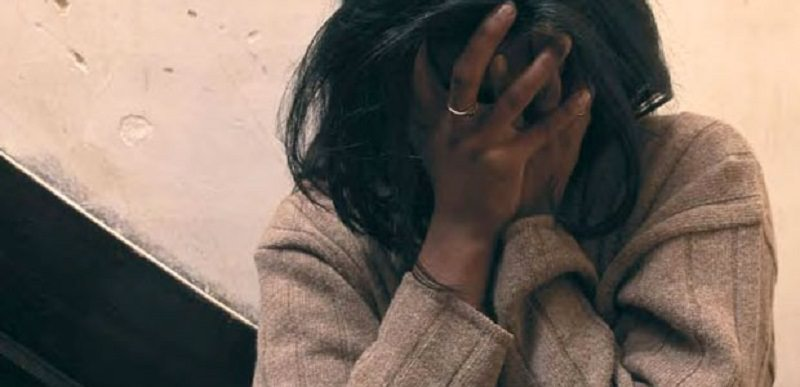 Tragedia in casa, donna si toglie la vita: 46enne trovata morta dal figlio