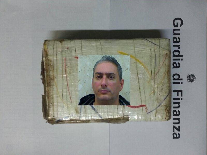 Nascondeva un chilo di cocaina sotto il sedile dell'auto: arrestato catanese