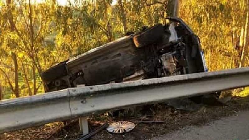 Un'auto si ribalta sulla statale 115: quattro persone coinvolte