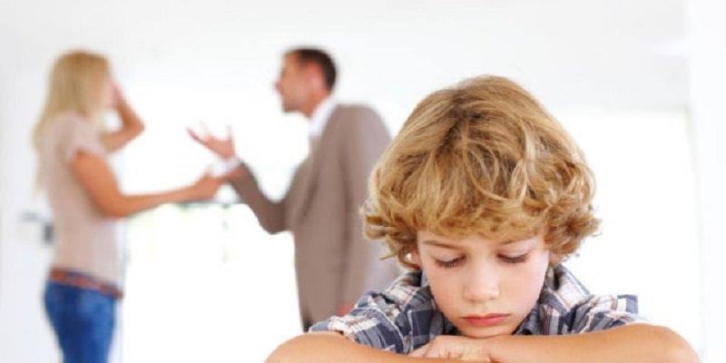 Genitori separati si scontrano per la compagnia dei figli a capodanno: è lite violenta, un denunciato