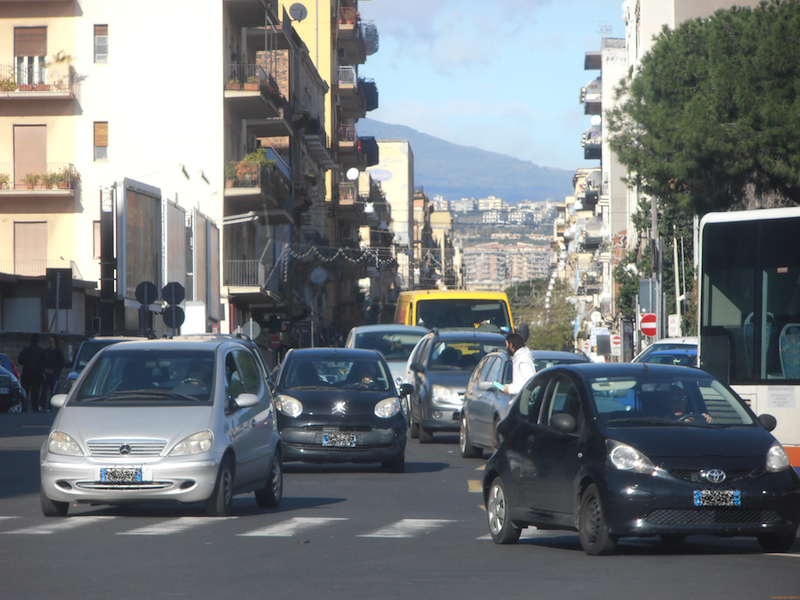 Lunghe code e stress: Catania è la decima città più trafficata d'Italia