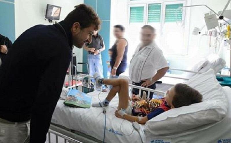 Alessandro Siani dona un macchinario ai bimbi malati di cuore