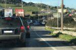 Scontro tra mezzi a due ruote all'altezza di Misterbianco: diversi feriti e traffico bloccato