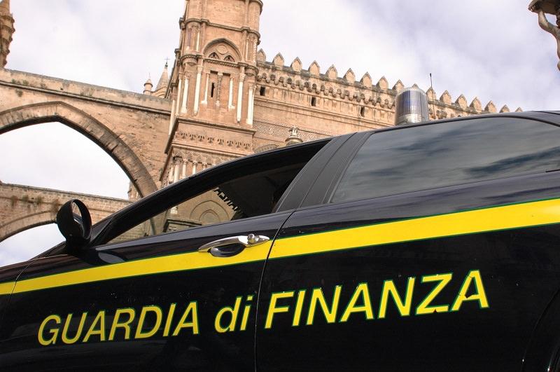 Fatture per operazioni inesistenti: sequestrati 450mila euro a società operante nella grande distribuzione