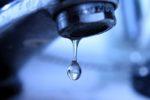 Pagano le bollette, ma l'azienda stacca il servizio: 23 famiglie senza acqua