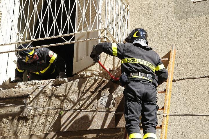 Canicattì, crolla palazzina di tre piani nel centro storico